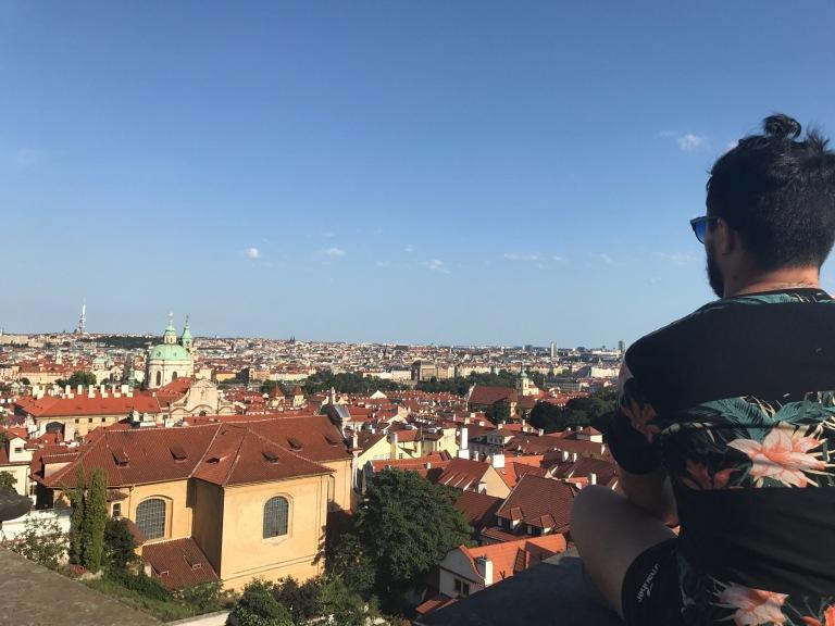 Si subes a la zona del castillo en Praga te encontras con este fantástico mirador.